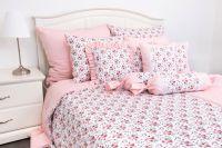 Krepové posteľné prádlo so vzorom ruže ladené do ružovej farby | 1x 140/200, 1x 90/70, 1x 140/220, 1x 90/70, 1x 200/200, 2x 90/70, 1x 220/200, 2x 90/70, 1x 240/200, 2x 90/70, 1x 240/220, 2x 90/70, 1x 70/50, 1x 90/70, metráž vzor, metráž vzor
