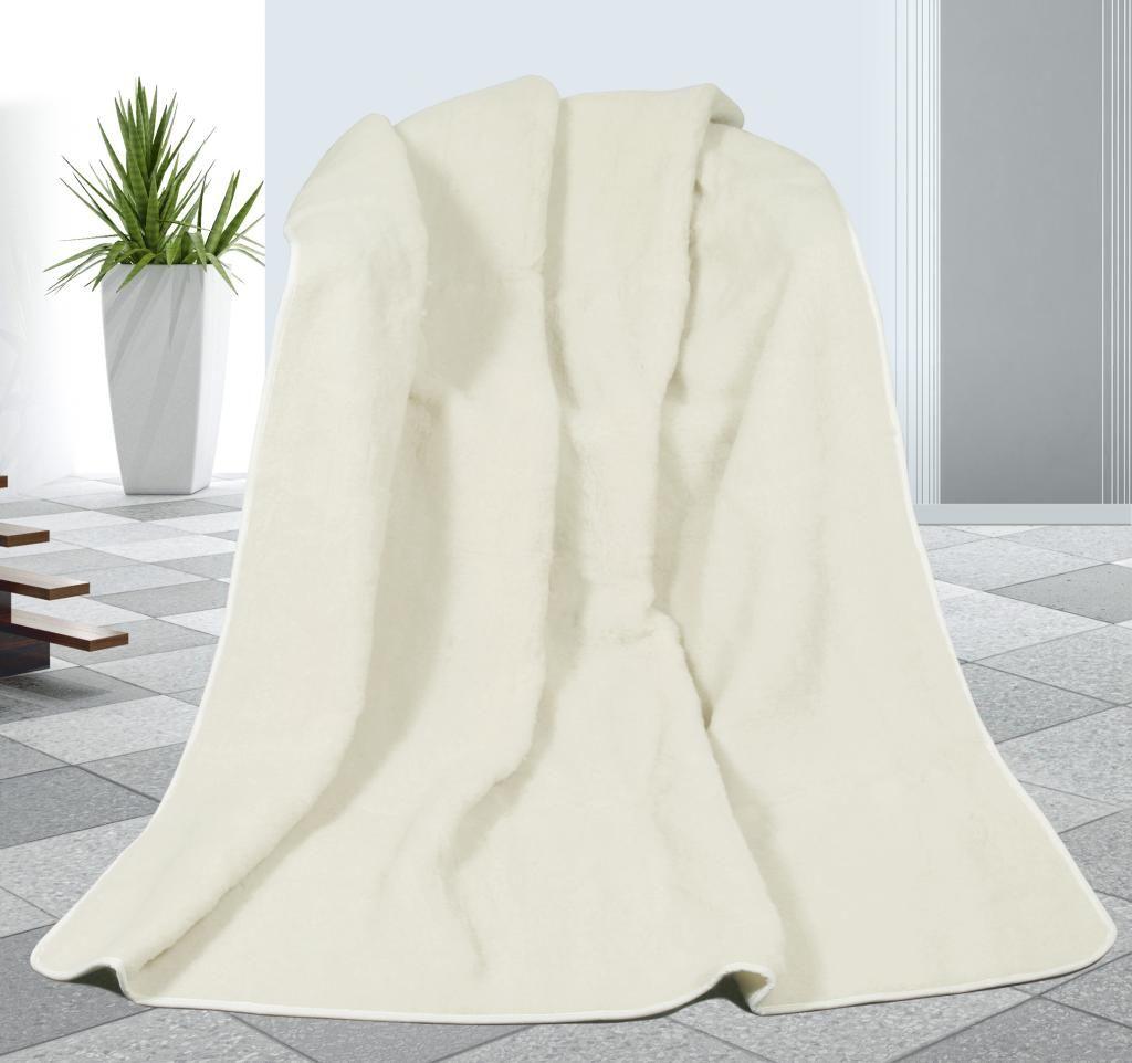 Pekná vlnená deka v bielej farbe DUO