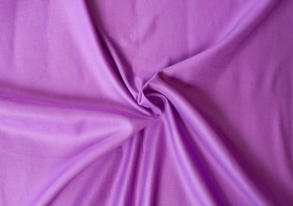 Kvalitná saténová plachta LUXURY COLLECTION v tmavo fialovej farbe Kvalitex