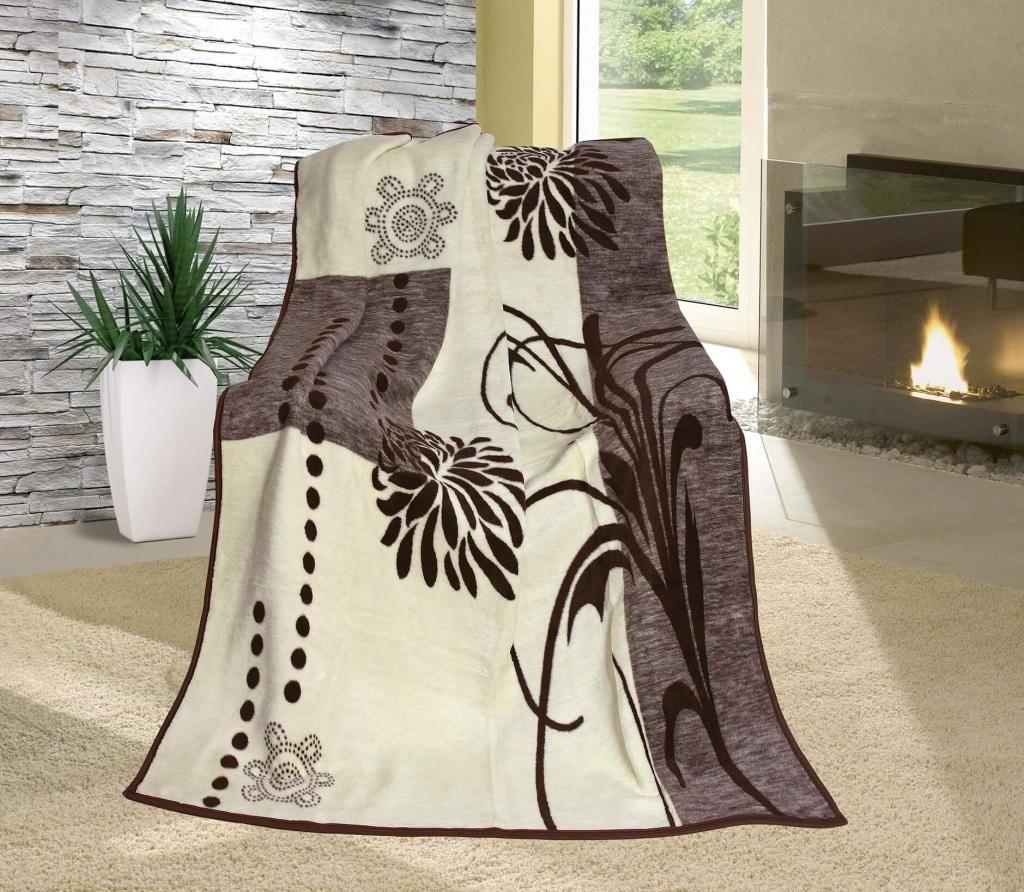 Vzorovaná deka béžovo-hnedá s motívom kvetov