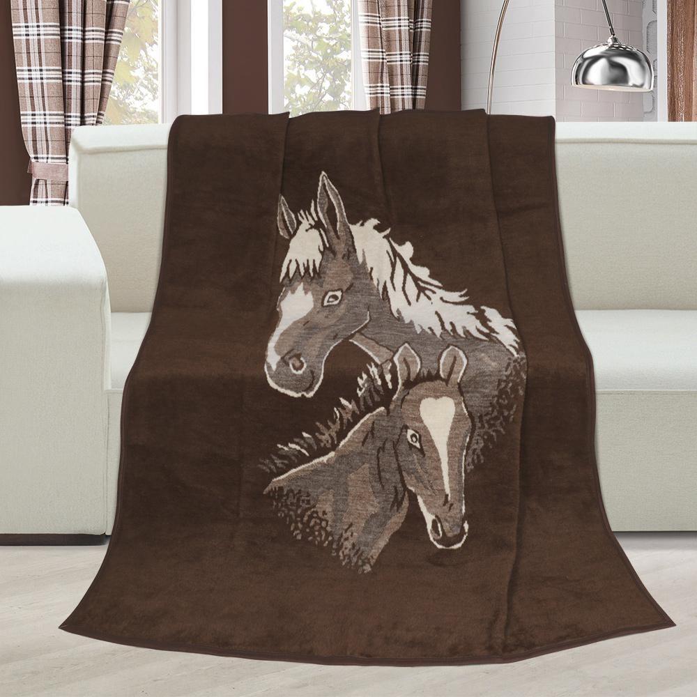 Hrejivá deka vzorovaná s motívom koňa