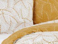 Krásne bavlnené obliečky Santal so vzorom drobných vetvičiek a lístkov Matějovský