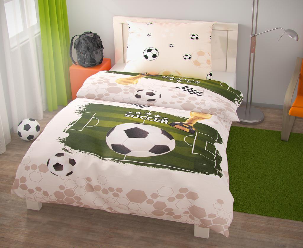 Dokonalé obliečky pre futbalistu, motív futbalového ihriska a lopty Kvalitex
