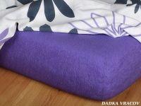 Kvalitná froté plachta vo fialovej farbe v purpurovom odtieni Dadka